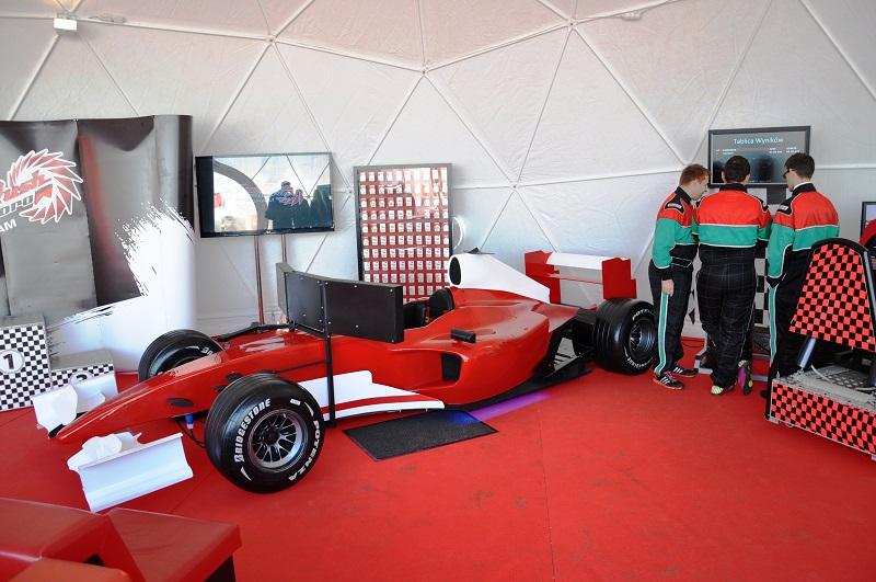 Symulator jazdy F1 na imprezy wynajem Kraków