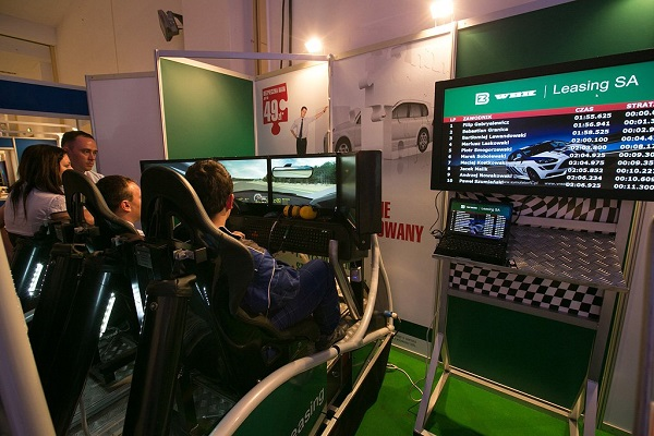 symulator jazdy rajdowy WRC dla 2 osób wynajem