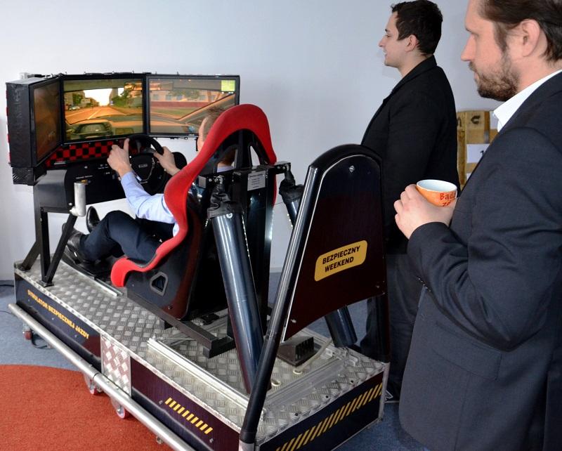 Symulatory bezpiecznej jazdy Warszawa, edukacyjny symulator samochodowy