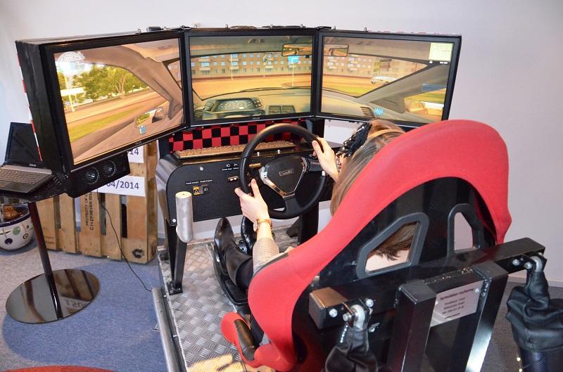 edukacyjny Symulator samochodowy nauki jazdy wynajem