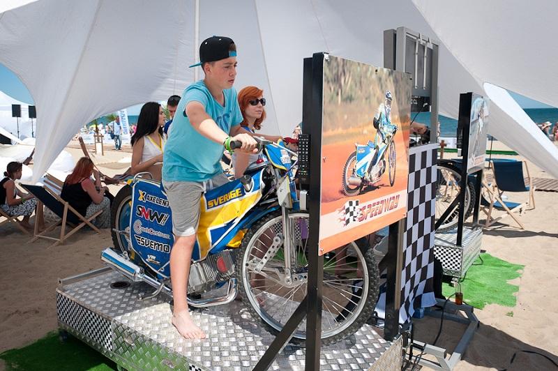 Symulator motocykla wynajem - żużel na plaży
