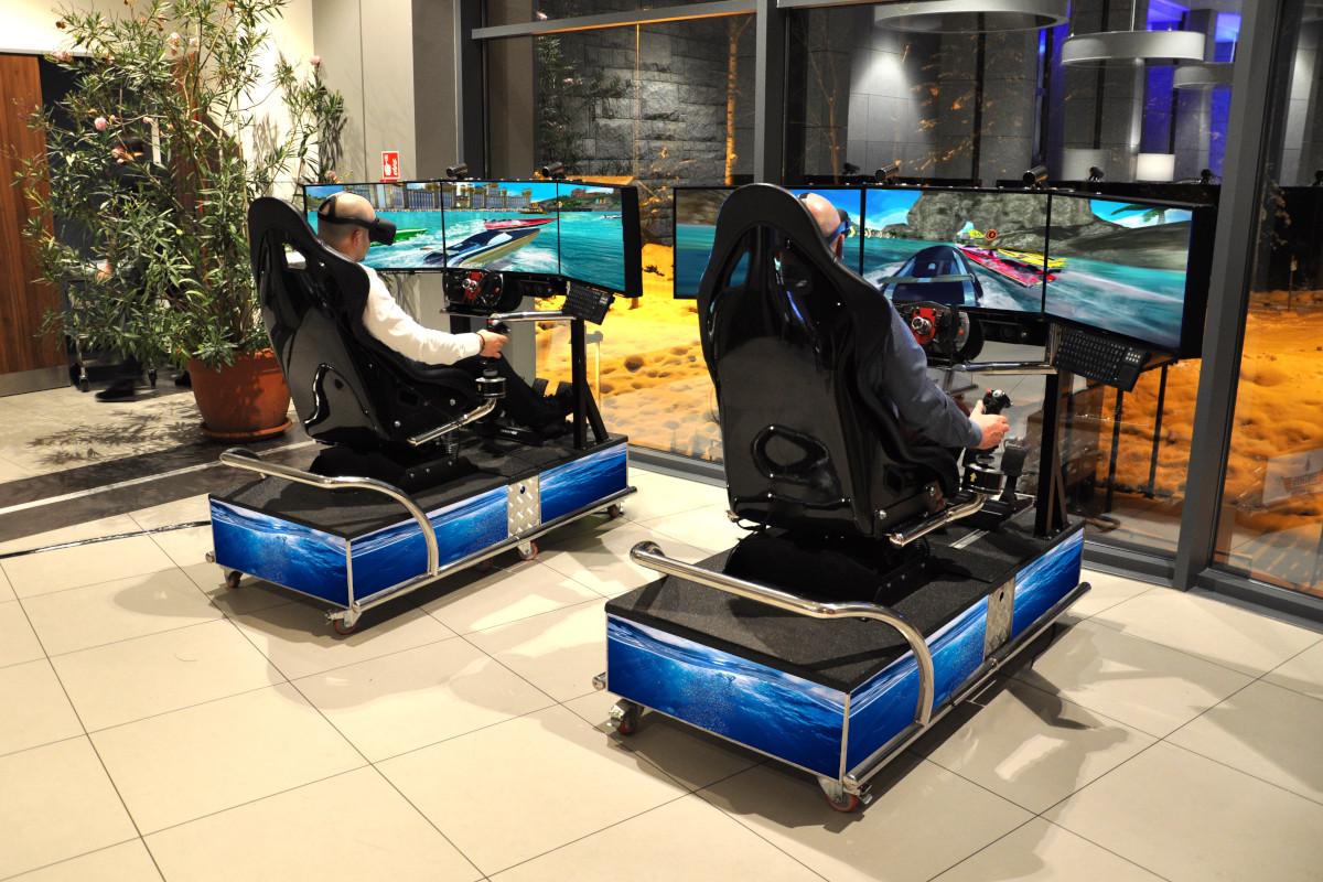 symulator wyścigów morskich - motorówki wynajem na imprezy jako atrakcje wodne VR