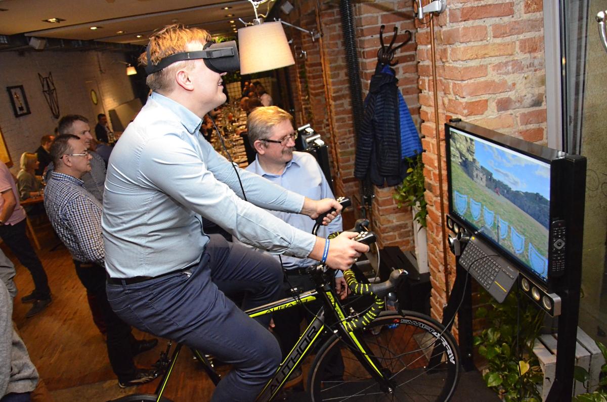 symulator jazdy rowerem vr wynajem na imprezy