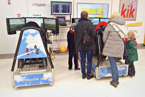 Symulatory lotu wynajem - promocja C.H. Zaspa - Symulator myśliwca na event