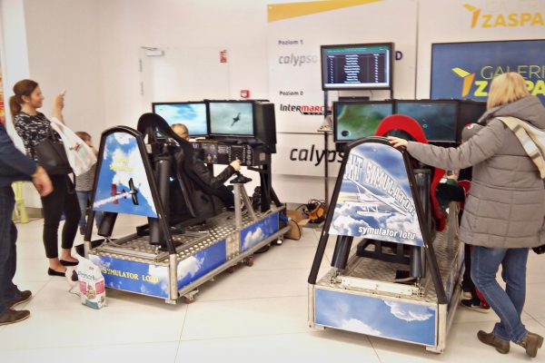Symulatory Lotu w C.H. Zaspa - Symulator myśliwca na event