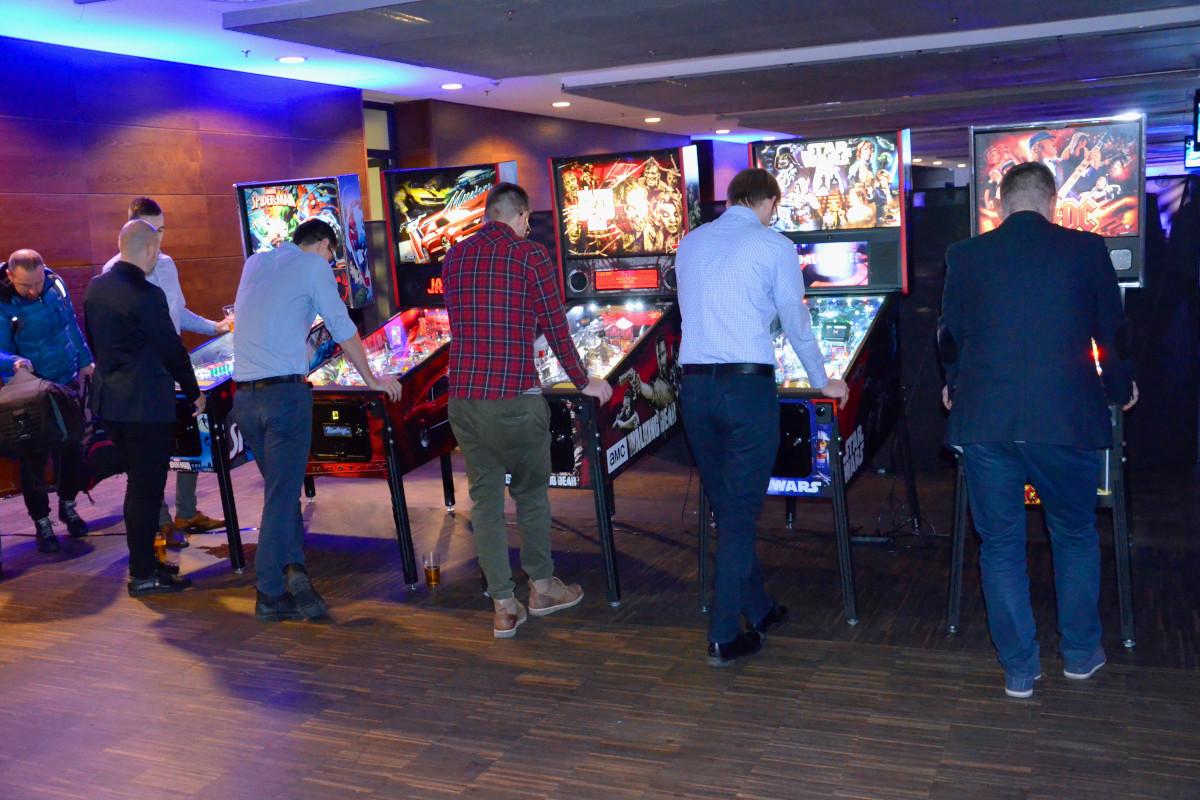 wynajem flipperów i automatów retro arcade