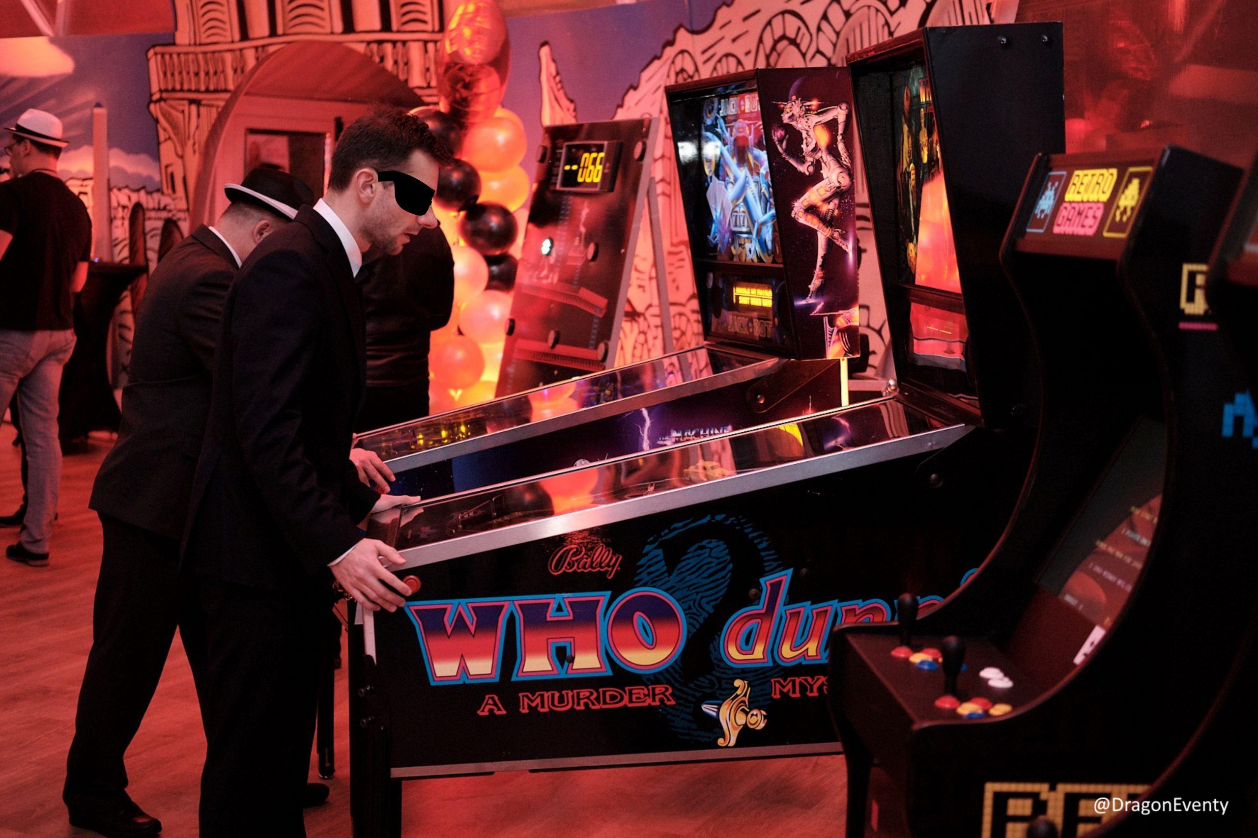oldschoolowe atrakcje flippery i automaty arcade wynajem na imprezy i eventy w stylu retro